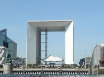 Le mobilier urbain de la Défense fera l'objet ...