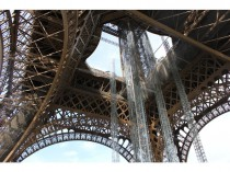La Tour Eiffel en chantier se veut plus attractive ...