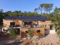 Une maison écologique et ultra-connectée livrée ...