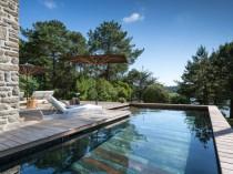 Une piscine à fond mobile pour une terrasse ...