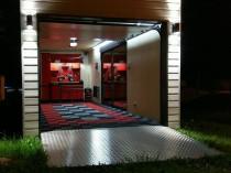 Insolite : Un garage prêt à l'emploi livré à ...