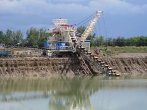 Cemex inaugure un nouvel excavateur de granulats