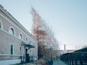 Enel promeut une sculpture géante en bambou à Rome