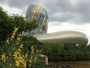 La Cité du vin de Bordeaux prête à dévoiler ...