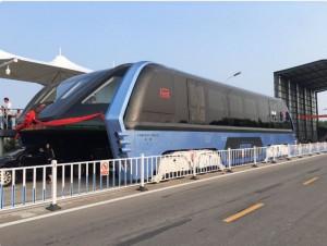 """Le premier """"super bus"""" testé en Chine"""