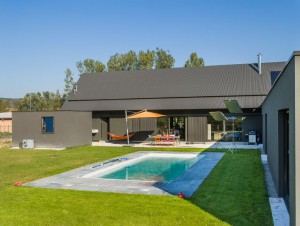 Une maison alsacienne prend des allures de grange ...