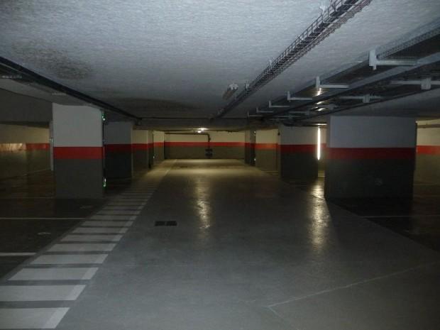 parking souterrain. Black Bedroom Furniture Sets. Home Design Ideas