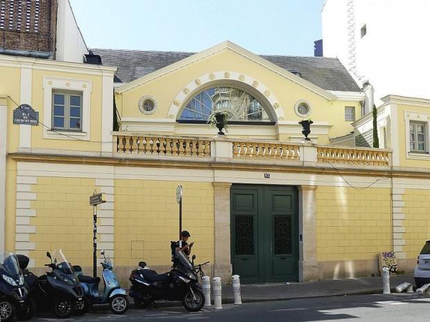 depardieu quitte paris et met en vente son h tel particulier. Black Bedroom Furniture Sets. Home Design Ideas