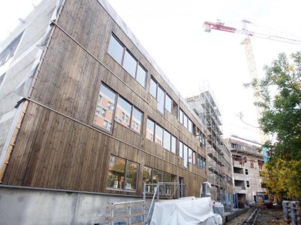 Un grand immeuble en bois pousse paris for Immeuble bureaux structure bois