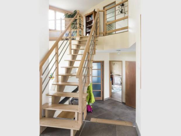 Un escalier en frêne sur-mesure