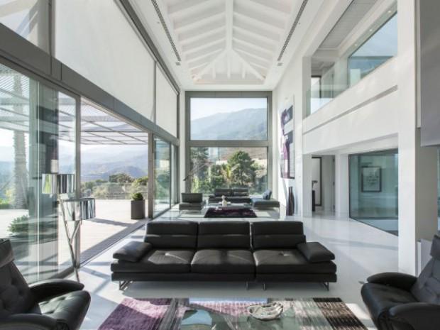 une villa espagnole cubique et transparente. Black Bedroom Furniture Sets. Home Design Ideas