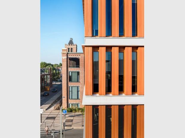 """Réalisation du """"Doge"""", à Lomme, près de Lille, deux bâtiments de bureaux et d'activités d'environ 5.100 m², livrés en juin 2017, l'architecte Paolo Tarabusi"""