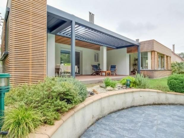 Une terrasse mieux structurée et surtout protégée