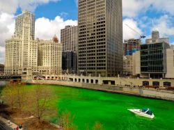 http://www.batiactu.com/images/grand/20100316_100634_chicago-river.jpg