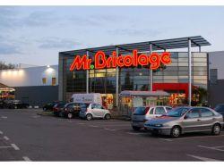 Mr Bricolage: proximité et digital pour ...