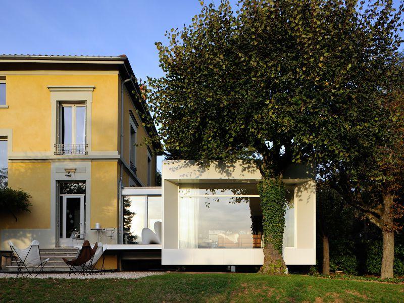 Une extension taille XS se greffe à une maison ...