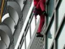 Spiderman en haut du bambou