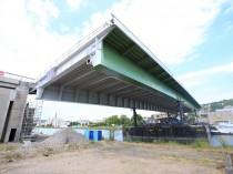 La travée du pont de Rouen remise en place