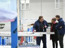 Elisabeth Borne inaugure au Bourget le site ...
