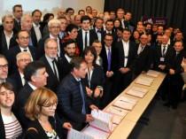 """Julien Denormandie signe la charte """"Bâtiment ..."""