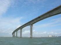Un câble du pont de l'île de Ré a cédé
