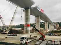 A Gênes, la silhouette du nouveau pont a pris ...