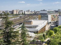 Le centre sportif Poissonniers, élément d'une ...