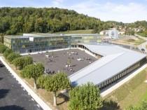 """En Isère, un collège """"innovant et durable"""" sort ..."""