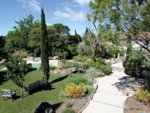 Rénovation : un jardin provençal se redéploie ...