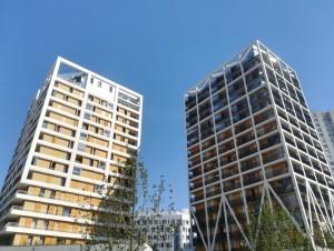 Au nord de Paris, deux tours d'habitation se ...