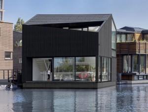 Une maison flottante, durable et autonome en ...
