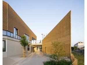 A Bordeaux, une école ancrée dans le terroir ...