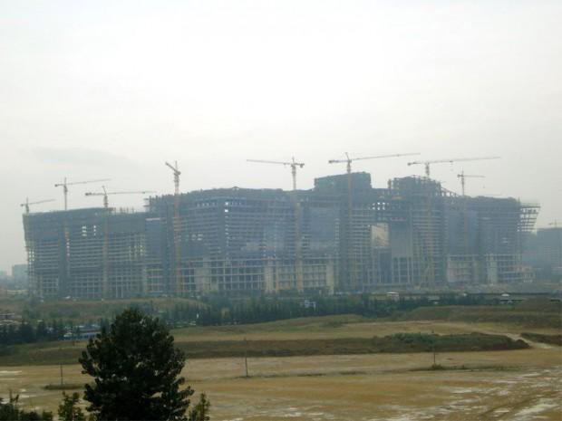 New century global center en construction