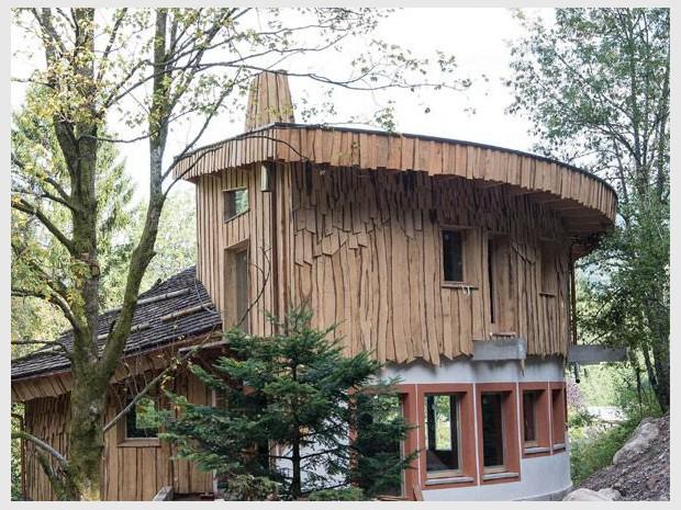 un village de cabanes en bois dans la for t vosgienne. Black Bedroom Furniture Sets. Home Design Ideas