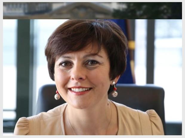 Carole Delga, secrétaire chargée de l'Artisanat