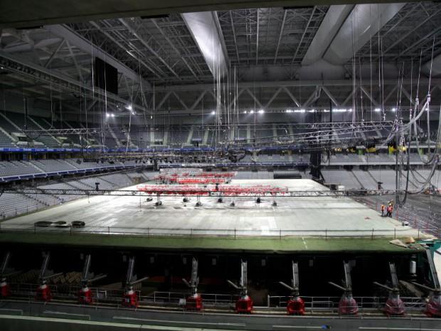 Le stade Pierre-Mauroy à Lille aménagé  pour la finale de Coupe Davis à Lille