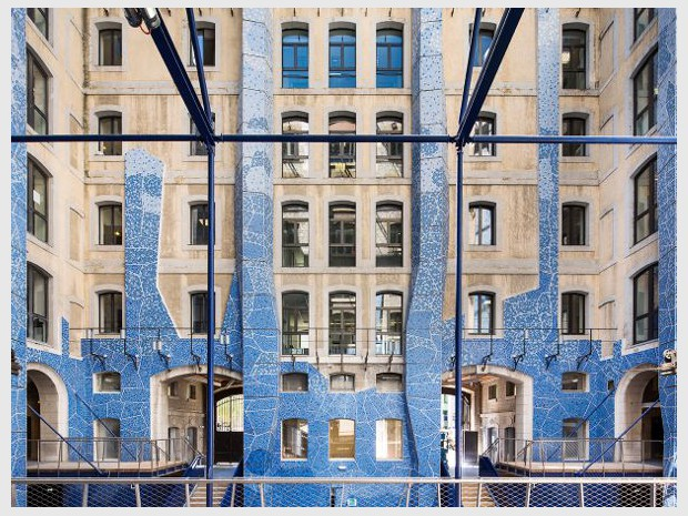 Livraison des Docks de Marseille par 5+1AA Afonso Femia Ginaluca Peluffo