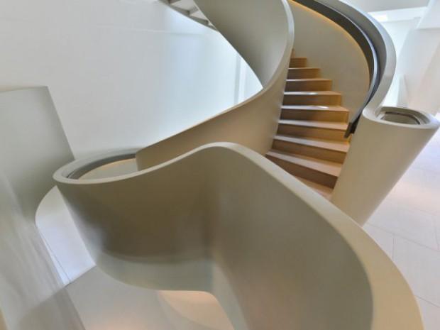 Ribbon House : Un escalier comme une connexion tout en légèreté entre les étages