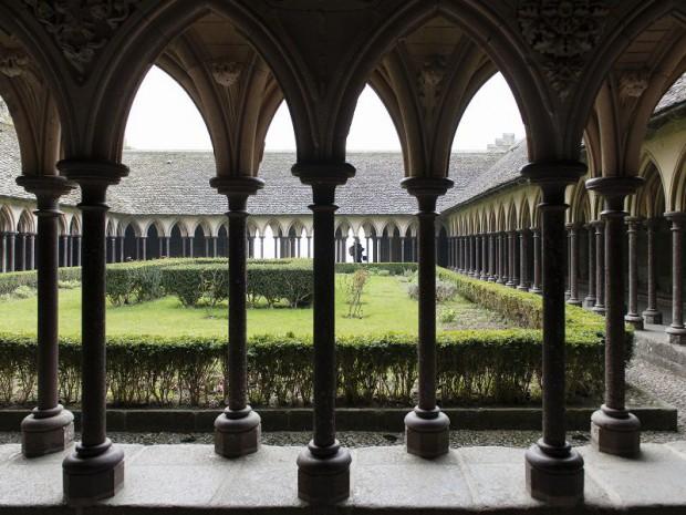Mont-Saint-Michel cloître