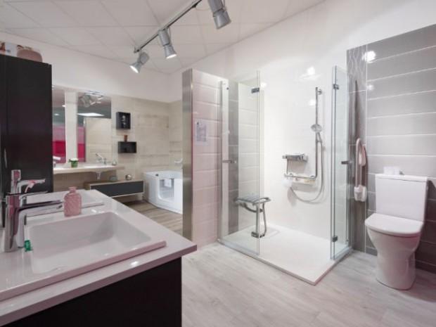Une salle de bains adaptée aux personnes âgées
