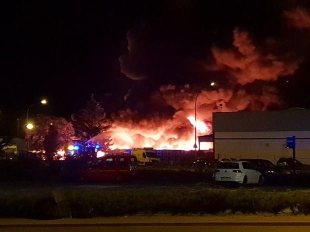 Un incendie ravage une usine soprema strasbourg - Soprema strasbourg ...
