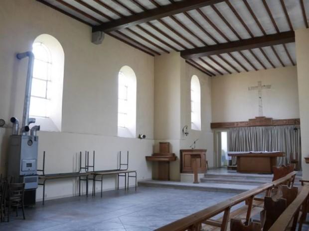 Avant : une église vétuste laissée à l'abandon