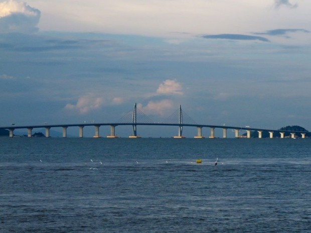 Inauguration du plus long pont du monde reliant ...