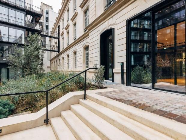 Caserne réhabilitée en bureaux, Paris