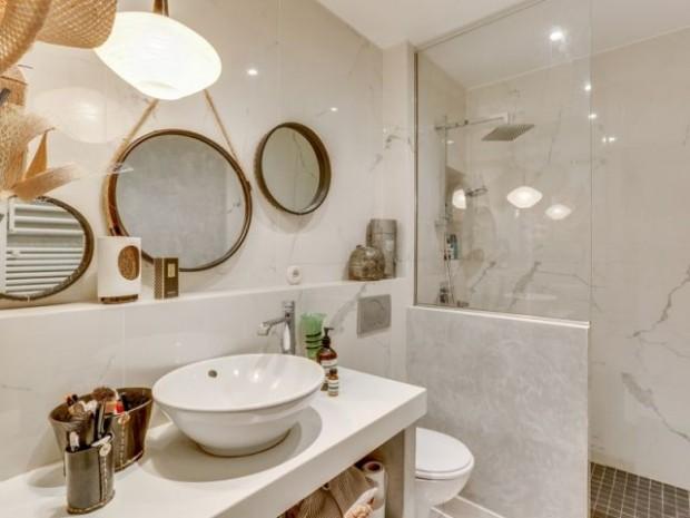 Après : une salle de bains qui parait encore plus spacieuse