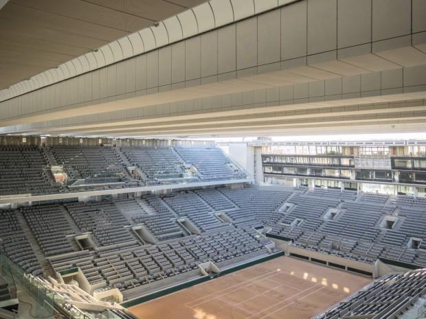 A Roland-Garros, un toit rétractable couvre le court central