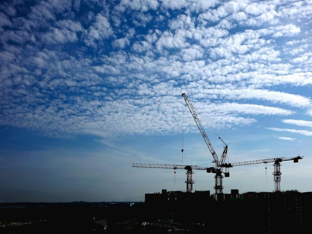 Chantier grues construction