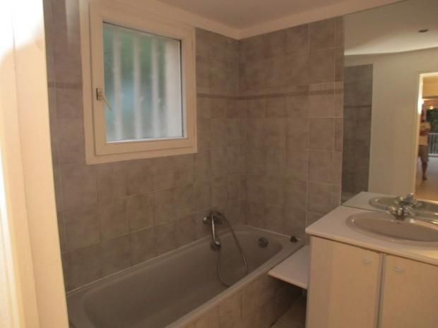Avant : une salle de bains à réinvestir