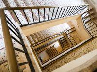 Travaux dans l'escalier d'une copopropriété